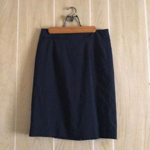 J. Crew Sz 4 Navy Blue Pinstripe Pencil Skirt